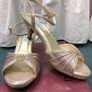 Dyeables 'Kelsey' Strap Shoe